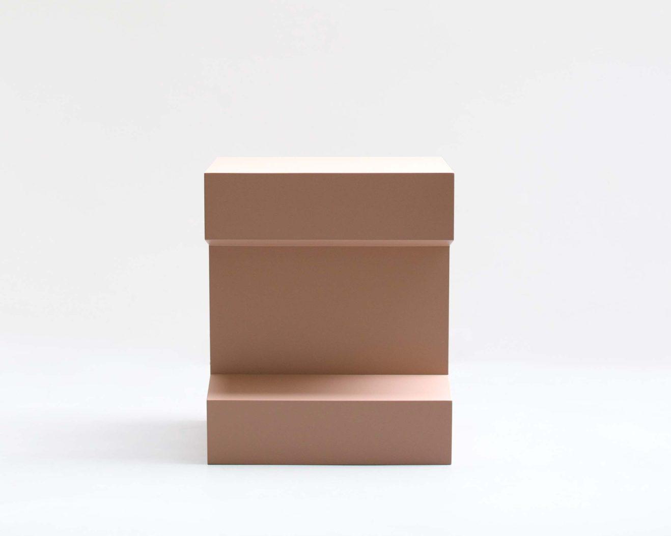 Gwendoline-Porte-Rail-450-L Rosa-Side-Table-2