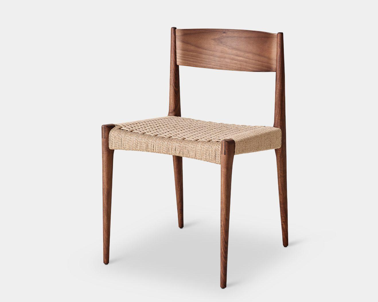 DK3-PIA-Chair-Walnut-2